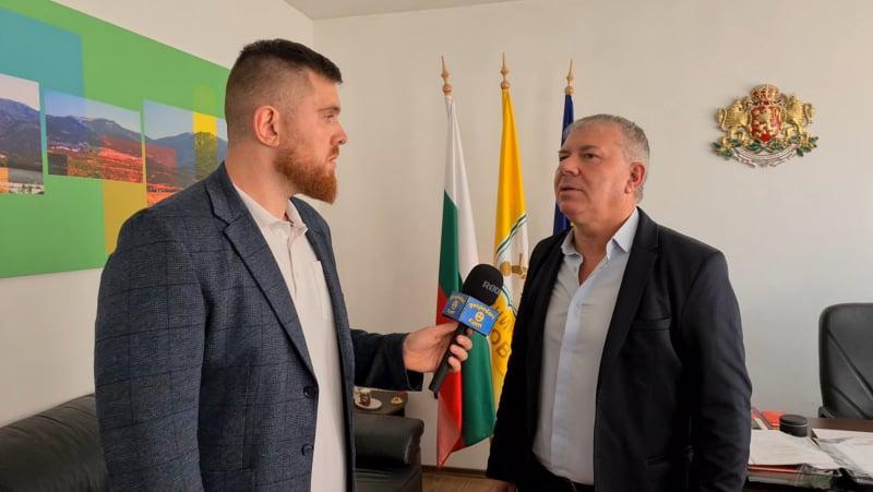 """Скандалният кмет на Гурково проговори пред """"Господарите"""" часове преди проверката на прокуратурата"""