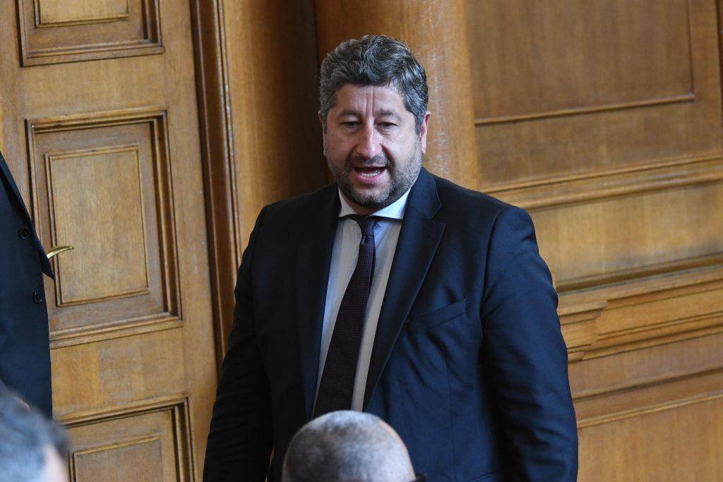Ругатни, обиди и махленско поведение в българския парламент
