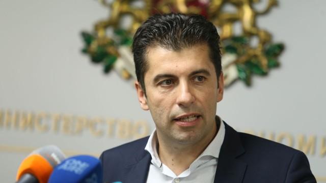 Кирил Петков и Асен Василев няма да са в новия служебен кабинет. Кой ще ги смени?
