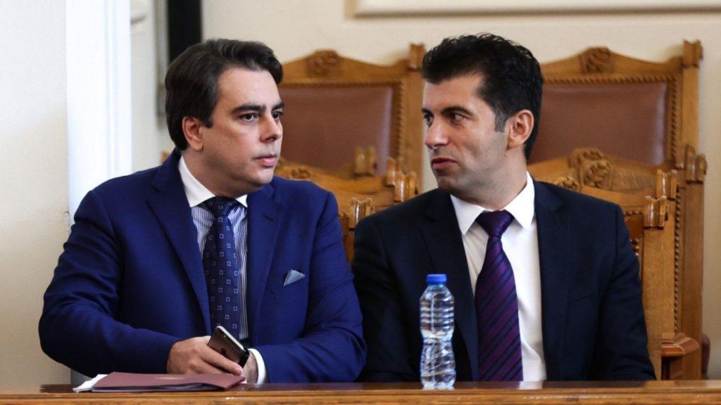 Служебният премиер би влязъл в партия на Кирил Петков и Асен Василев