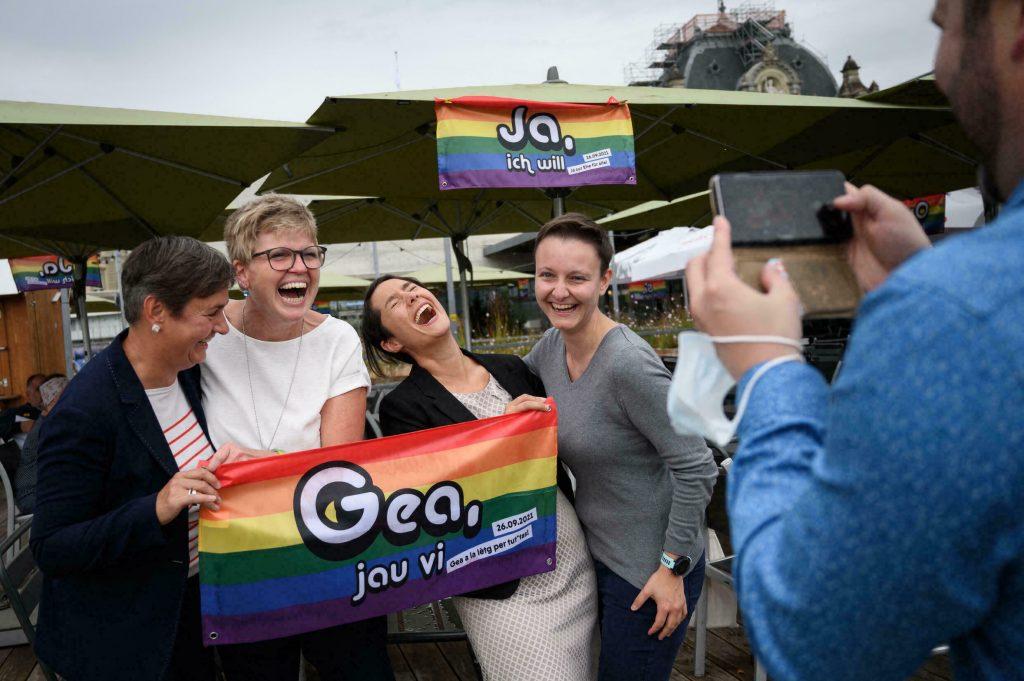 Одобриха еднополовите бракове в Швейцария дори в най-консервативните кантони