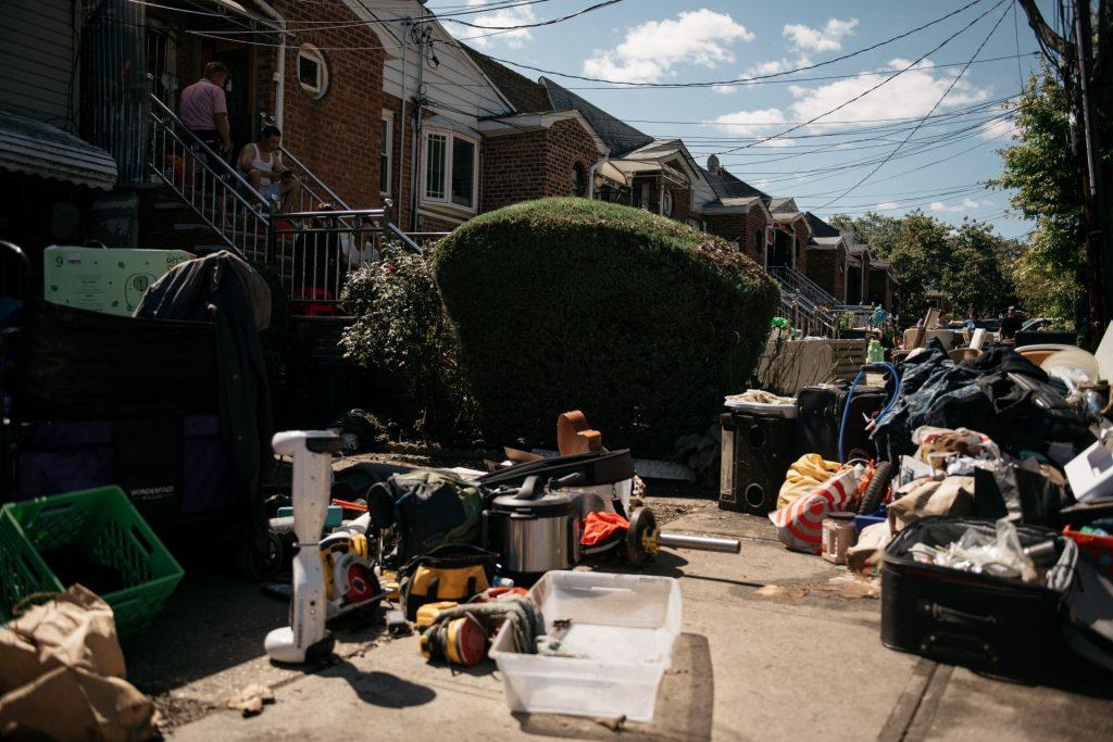 Най-малко 60 са вече жертвите на Айда в Ню Йорк и Ню Джърси