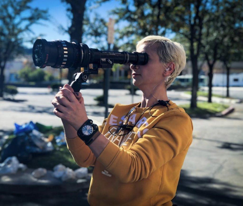 Операторката, застреляна от Алек Болдуин погрешка, е постнала видео часове преди инцидента